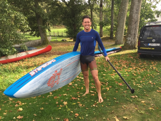 Jonas Colting har blivit biten av stående paddling