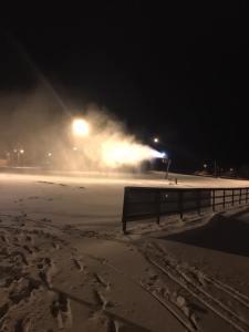 Borås skidstadion, en av elva snökanoner som är igång enligt Borås skidtadion på skidspår.se. Foto: Borås SKs Facebook-sida.