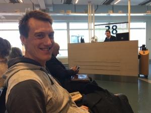 Träffade sprintern Johan Edin på Arlanda precis. Jag har inte träffat honom så många gånger, men han är alltid trevlig att prata med. Han ska förhoppningsvis göra stordåd på världscupen i Finland i helgen. Johan är kvalsnabb, men behöver bli bättre i heaten.