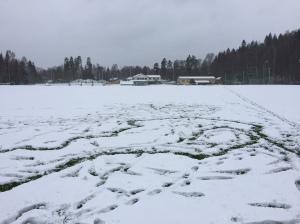 Sjömkarkens fotbollsplaner. Där har man gjort många mål. Eller förresten, inte jag. Bizze gjorde många mål. Men jag tillhörde i a f alltid start-7:an och start-11:an i ungdomen i Sjömarkens IF.