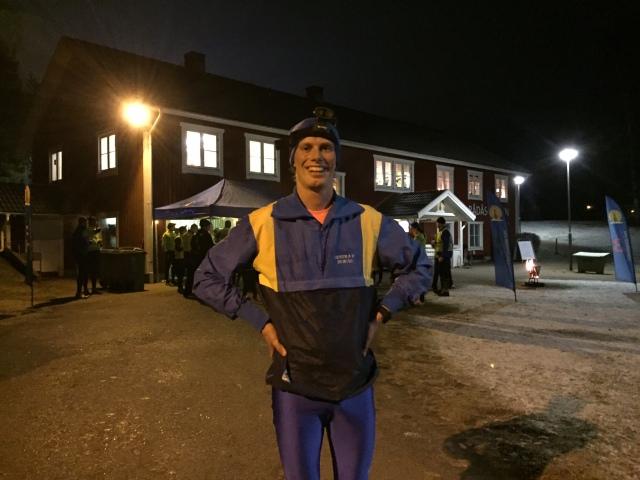 På träningen med Lidköpings VSK hade jag mina Hestra IF-kläder från 90-talet. Jag har för övrigt fortfarande träningsverk från det passet, där jag inte kunde matcha Erik Wilhelmsson på de långa intervallerna