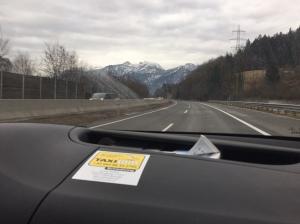 Det är en knapp timmes bilresa mellan Salzburg och Ramsau. Jag pratade tyska med taxichauffören i ca 20 min. Skoltyskan sitter hyfsat fortfarande.