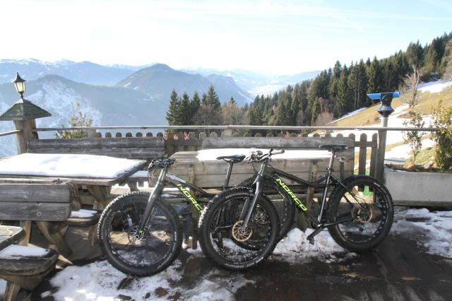 Vid Sonnenalm på Rittisberg, 7 km cykeltur från Ramsau. Där åt vi lunch och vände hemåt.