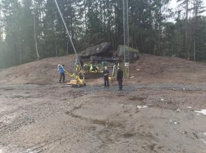 Mikael Ragneheim, Toivo Pentonen, Henrik Pentonen, Joakim Albrektsson m fl gör ett grymt bra jobb på Hestra. Här förbereder de nystarten för snöproduktionen.