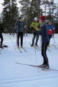 Skidlektion, teknikträning. Vi hade två grupper med två instruktörer och elva elever i varje. Foto: Niclas Bentzer.