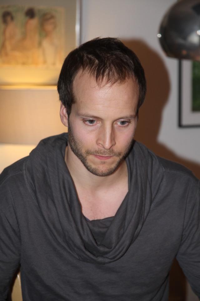 Anders Martinsson bor idag i Varberg. Han var smart, bra på skejtboard och poppis bland tjejerna på högstadiet.