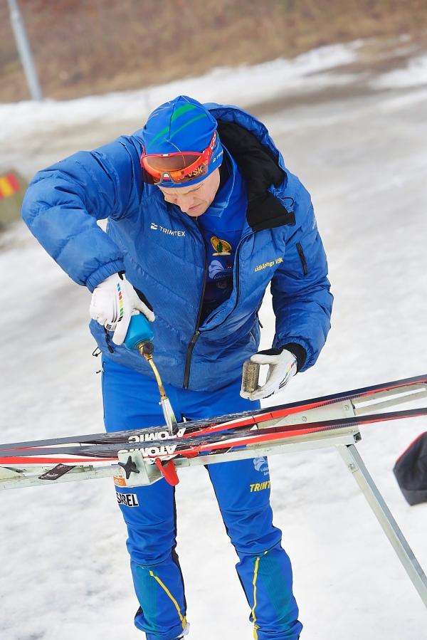 Erik Wilhelmsson vallar klister med gasol. Förmodligen åt sin fru.