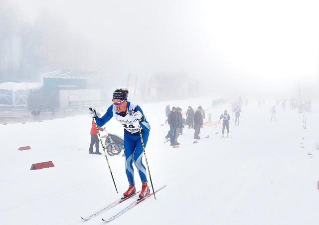 Jakob Böhm springer fort som tusan och har blivit bra på skidor i vinter