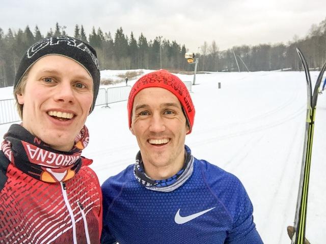 Mats Wang-Hansen och jag har kört tre lektioner i vinter. Igår ägnade vi större delen åt skejt. Efter lektionen tränade vi en sväng ihop. Även skidsimmaren Thobias Peterson var med en sväng.