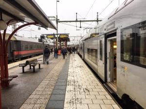 Herrljunga tågstation. Där får man nästan alltid byta tåg om man bor i Borås och ska norrut.