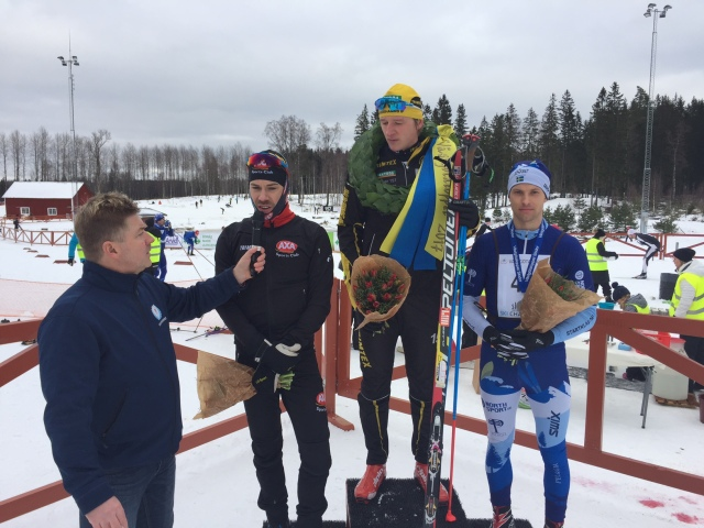 Claes Persson intervjuar Adam Steen. Andreas Svensson vann före Henrik Alm.