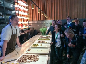 Melker Andersson presenterar maten