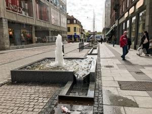 """Kanalen i Borås, av många kallad """"pissrännan"""", är nu färdig. Jag spanade in den idag på väg till lunchdate på Viskan med Martin Josefsson och Robert Malmgren. Den har varit hårt kritiserad, men jag tror gemene man kommer gilla den inom ett halvår."""