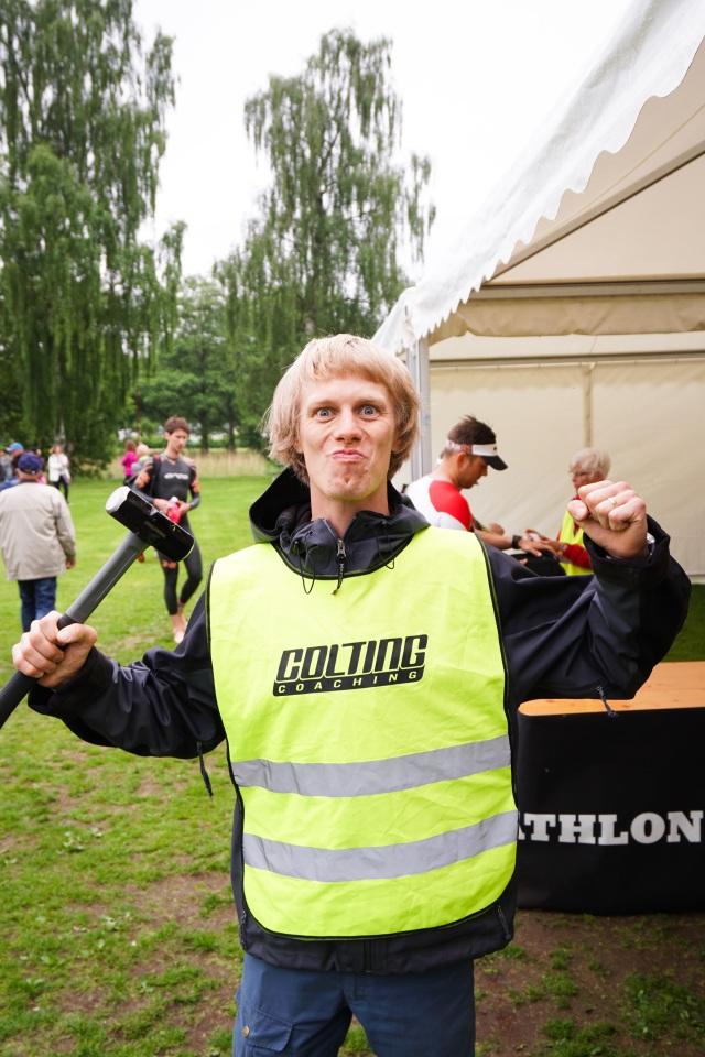 Funktionär på Borås Triathlon 2017. Foto: Love Ljungström.