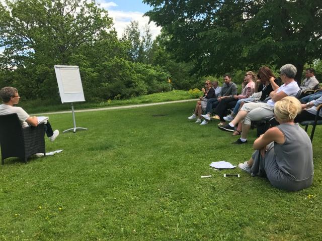 Konferensrummet blev utomhus idag på Gällöfsta Gård