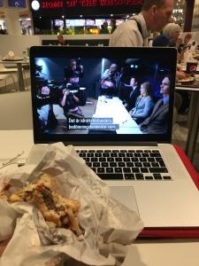 Burger King-meny på stationen innan 18.14-tåget. En klassiker. Passade på att se Johaug-dokuentären på SVT Play under matstunden.