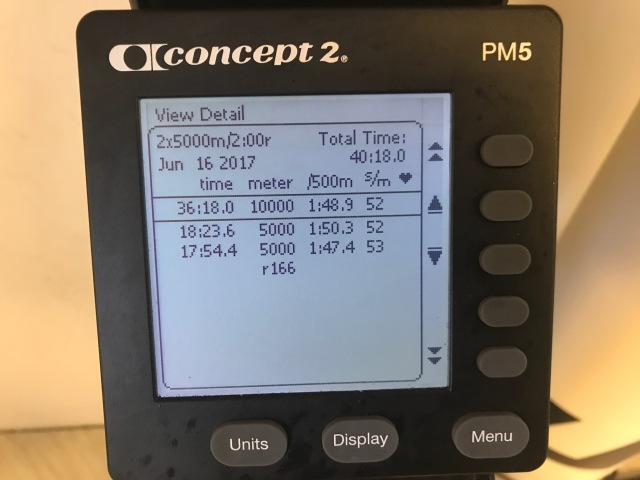 2 st 5000 m-intervaller SkiErg på 60 resp 30 s från personbästa. Motstånd 8. Nya maskinen väggmonterad.