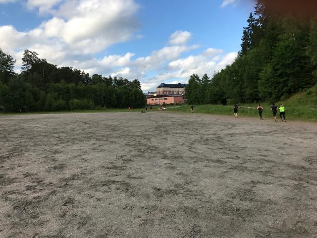 Grusplanen och löparbanan vid gamla I15