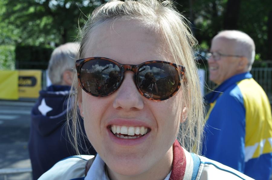 Josefin Svedahl hade en fräsch bomberjacka som tyvärr inte syns så mycket i bild
