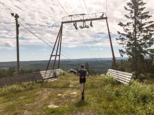 David Höglund på toppen av Fjällberget i Grängesberg sommartid