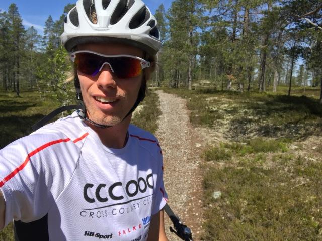 """""""Lilla slingan"""" på ca 4 km på Idre Fjäll. Det innehöll inte så mycket backar, men det hade varit lite för svår för Astrid att cykla."""