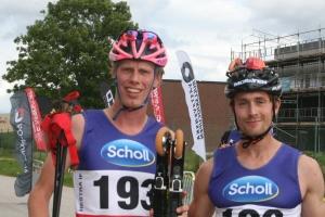 Jag och min klubbkompis snygge-Marcus, som vann över min andra klubbkompis Andreas Svensson. Pappa och mina amerikanska vänner var uppe och titta. Pappa verkade dock inte ställt inte skärpan på den här bilden.