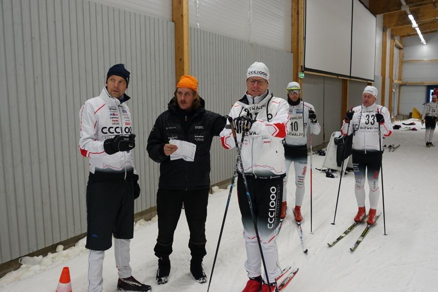 Prologen. Leif Eklund och David Holmström startar Patrik Nilsson.