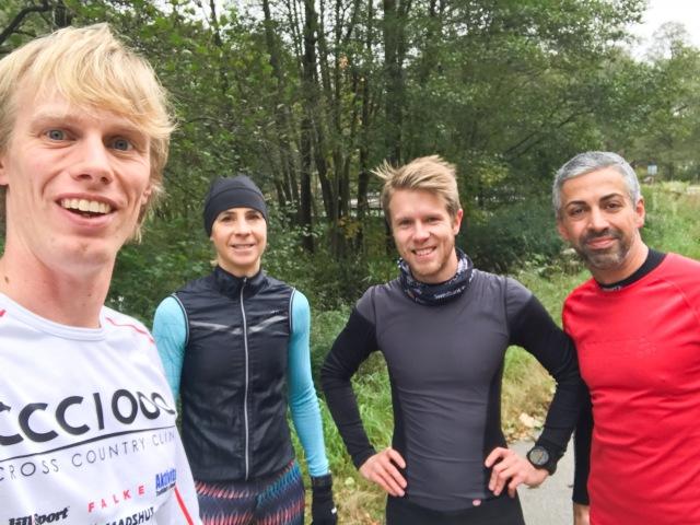 Fredagsgänget på en tisdag på Almenäsvägen. Jag, Anneli Johansson (två segrar i Lidingöloppet), Sebastian Andersson och Philipsson Pejman.