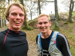 Gustaf Stavåsen var ute och sprang så jag lockade med honom på några intervaller i Halensbacken