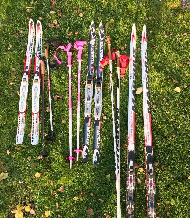 Säsongspremiär för barnen igår. Själv har jag både varit i Skidome och skidtunneln i Torsby tidigare i år för instruktörsjobb.