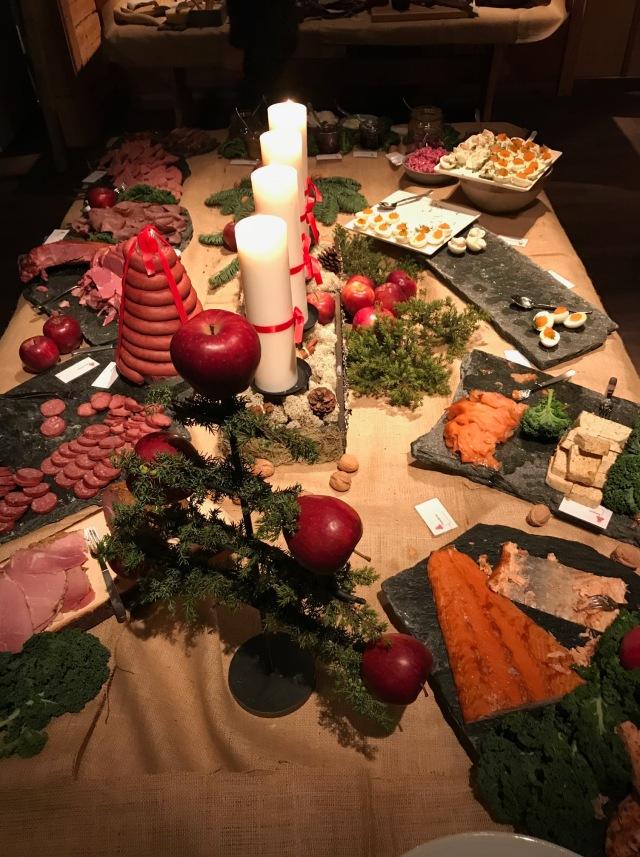Julbord i Storhogna, årets första