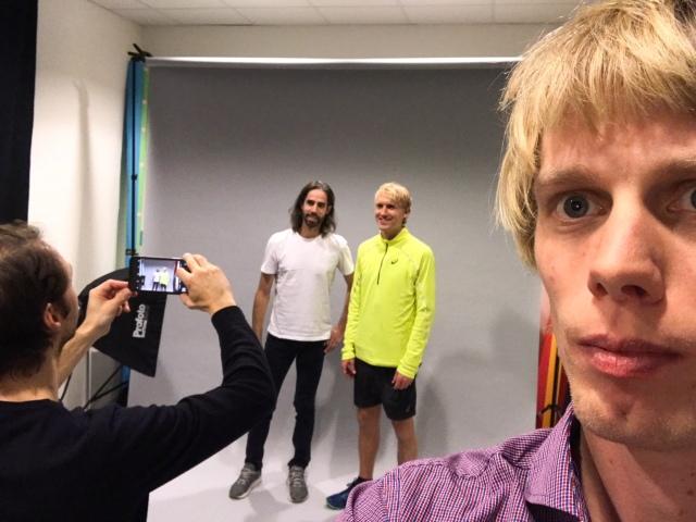 En selfie där Luca Mara tar en bild på Anders Szalkai och David Nilsson