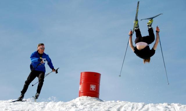 Backflip på längdskidor. Backflip cross country skiing.