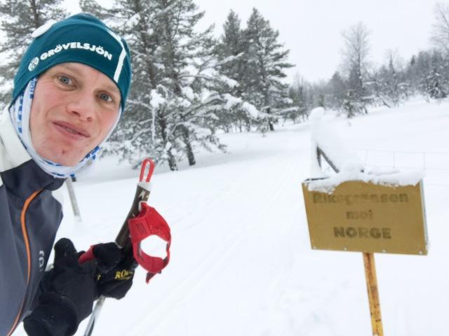 Från Valdalsbygget är det bara ett par hundra meter till den norska gränsen
