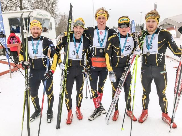 UIF långlopp efter Västgötaloppet 2018 minus några personer. Linus Svensson, John Enander, Erik Wickström, Gustaf Ljungberg och Jesper Nilsson.