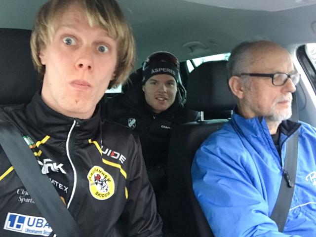 Simon aka Doktor Grenlöv och far på väg mot Linköping