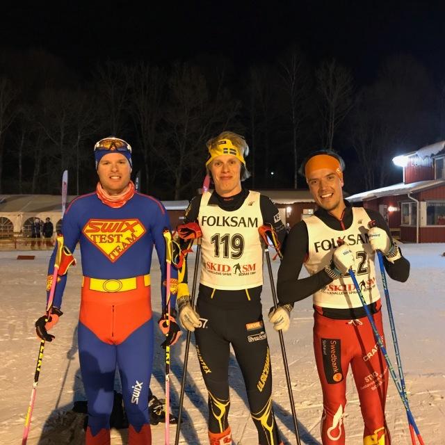Boråstrion som alla var topp 100 i Vasaloppet i år: Simon Grenlöv, jag och Rickard Bergengren. Efter Borås SKs KM 10 km K masstart 2018.