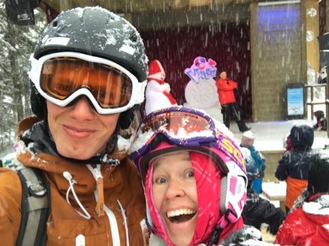 Ida och jag på Valletorget i Lindvallen igår