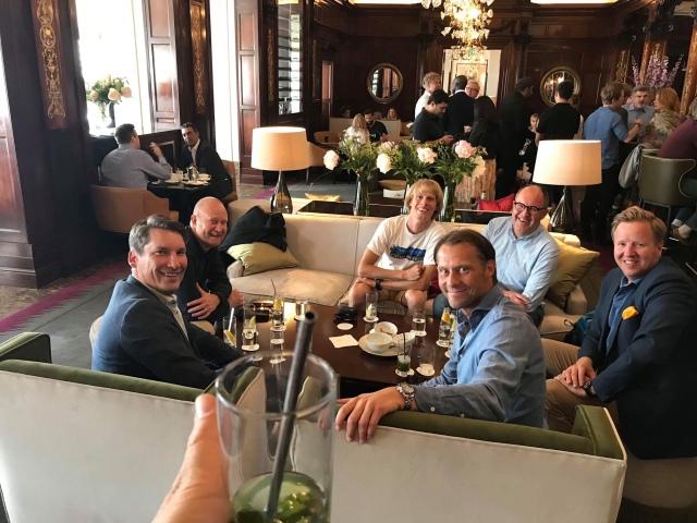 Start på Grand Hotel vid tretiden på eftermiddagen