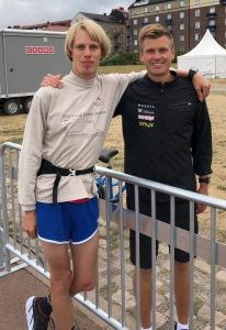 Linus Wirén och jag innan start. Jag värmde f ö upp i 10 min.