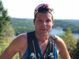 Simon Grenlöv vid utsiktspunkten vid Liagärde på Hyssnaleden