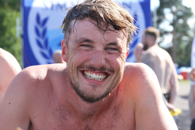 Erik Thiberg gick räddningstjänst på gymnasiet (Teknik i Borås). Där simmades det mycket. Kanske därför det gick så fort igår.