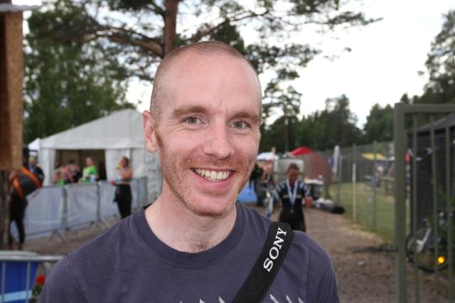 Henrik Öijer, stjärnbloggare från Falun, var på plats och tog emot sin Linda.