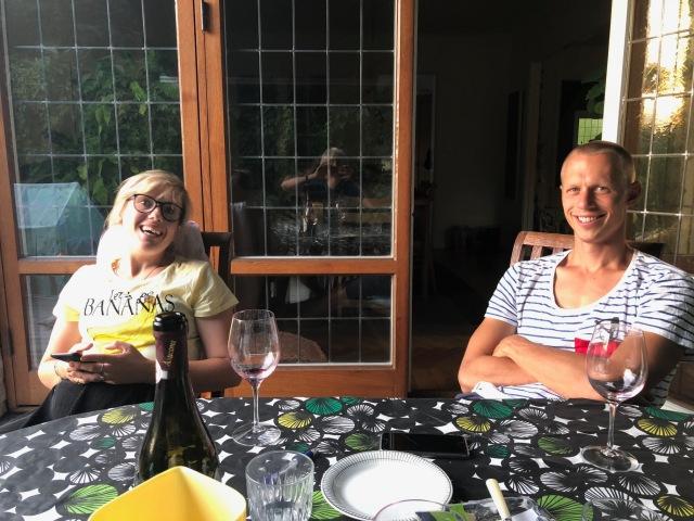 Josefin Svedahl och Martin Josefsson. Man behöver oftast ta 27 bilder på Martin för att få en där han inte blundar.
