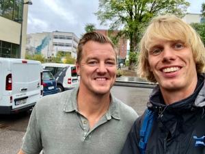 Mathias Svensson och jag utanför Navet i Borås, där hans företag Effektiv ligger. Håkan Mild är med och driver kontoret i Göteborg.