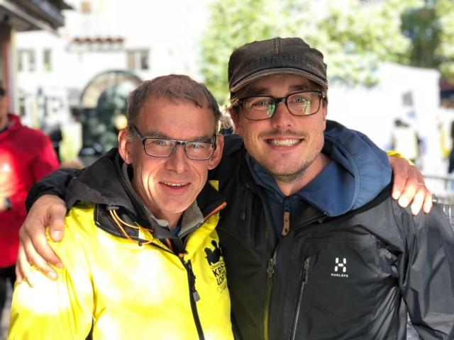 Lars Andervang och Erik Thiberg, speakerduo i målet