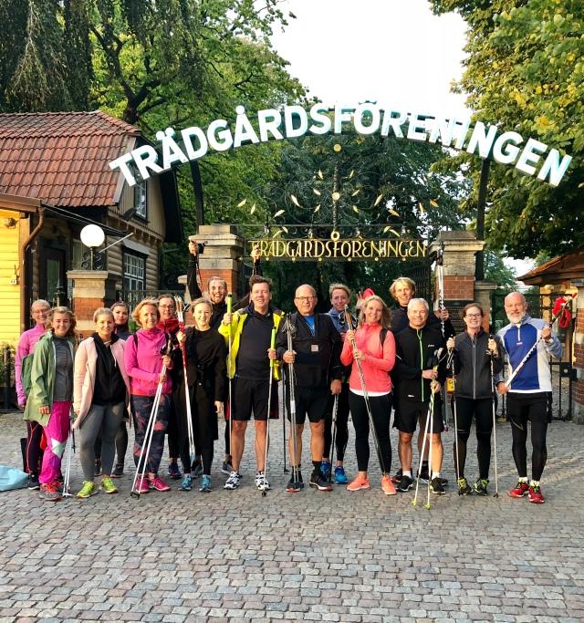 Skidgångsträning med Maqs som ska köra Stafettvasan. Utanför Trädgårdsföreningen.