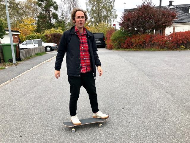 Niklas Bergh på en skateboard