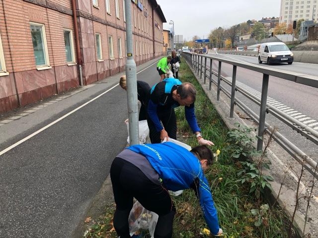Plogging i Alvik