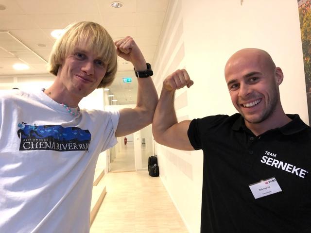 Bob Impola flexar biceps